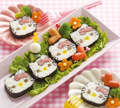 Fire up your culinary ambitions with the Hello Kitty sushi maker.